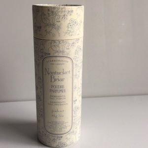 Nantucket Briar perfumed body powder 3 oz